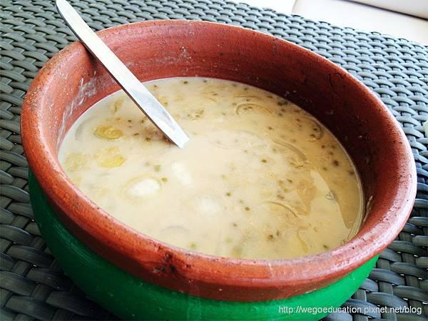 lantaw-native-restauran-Ginataang Monngo – P120.jpg