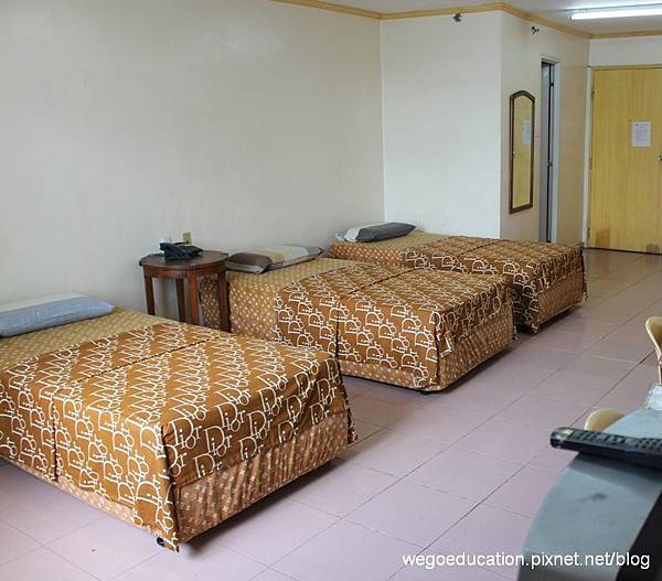 Wegoedication-Cebu-Cpils-triple room.jpg