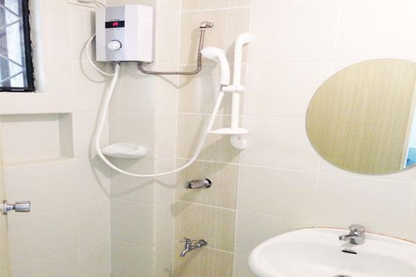 IB-shower.jpg