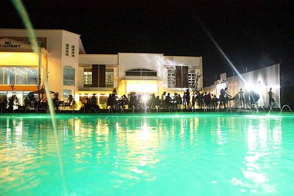 菲律賓語言學校EG 夜景.jpg
