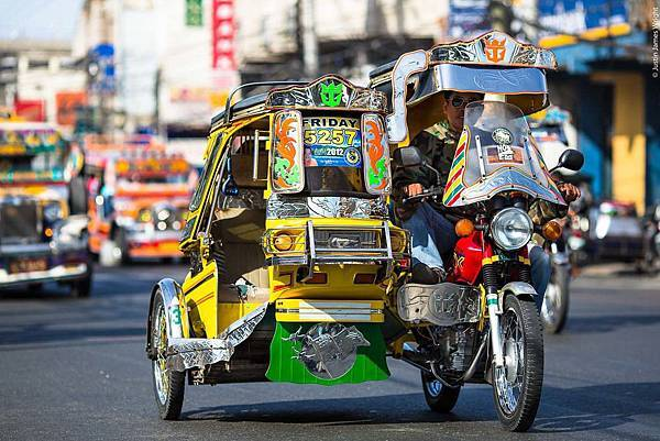 Wegoeducation-philippine-tricycles.jpg