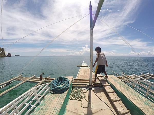 Wego菲律賓遊學-宿霧美麗海邊螃蟹船.jpg