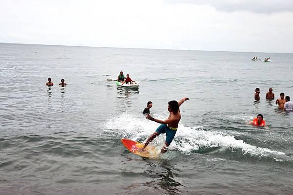 衝浪 San Fernando Beach surfing.JPG