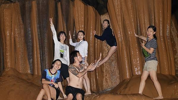 蘇馬晶洞 Sumaguing Caves 龍眠洞 Lumiang Caves 洞穴通道 Cave connection.JPG