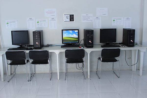 Philinter computer room 電腦.jpg