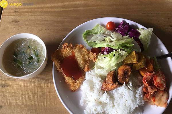 BECI學校介紹-午餐.jpg