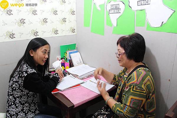 66歲媽媽菲律賓遊學去-一對一上課.JPG
