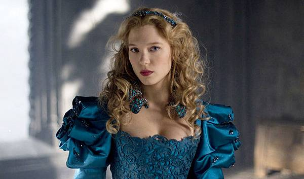 lea-seydoux-photos-beauty-and-the-beast-2014-vincent-cassel-turquoise-dress