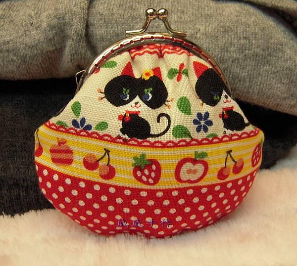 貓咪貝殼口金包-2.jpg
