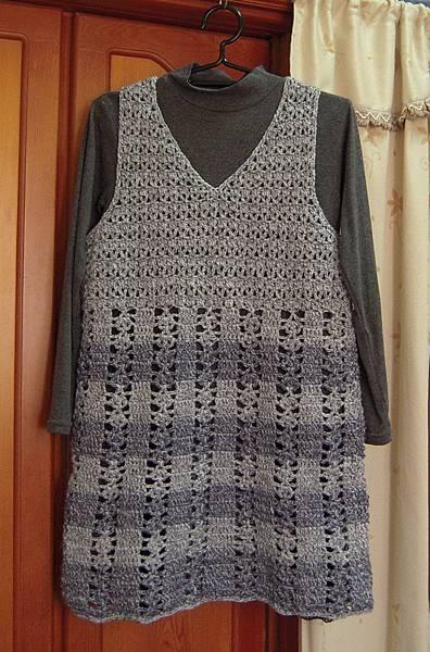 V領背心裙-3.jpg