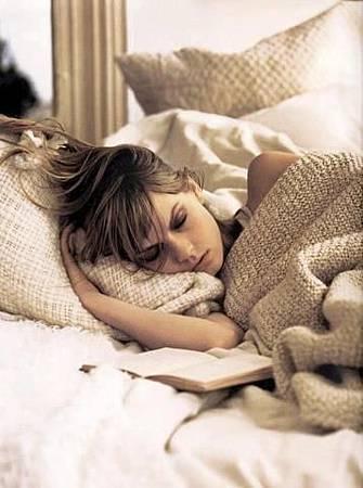 錯誤睡姿誘發疾病