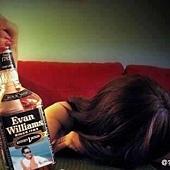 酒後不要立刻睡覺,先坐著休息一會