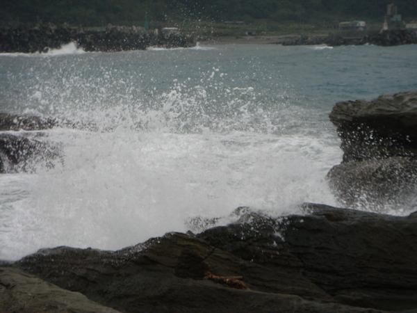 我一直想努力把壯觀的浪花拍下