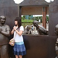 第一天  我和雕像阿婆深情相望