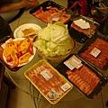 買、了、超、多、肉!