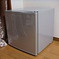 還有一個小冰箱 :D