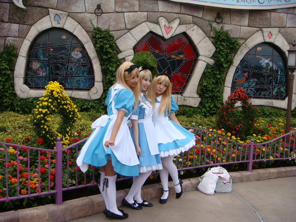 迪士尼裡面的愛麗絲