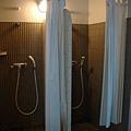 就搞不懂為什麼要弄三種可以洗澡的地方 囧