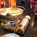 沒什麼在吃最後被拿來當煮菜工具的海鮮口味小火鍋,湯頭不錯!