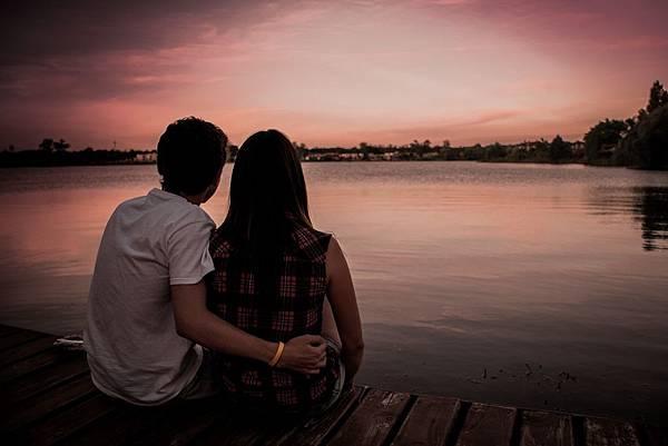 couple-1209790_1920.jpg