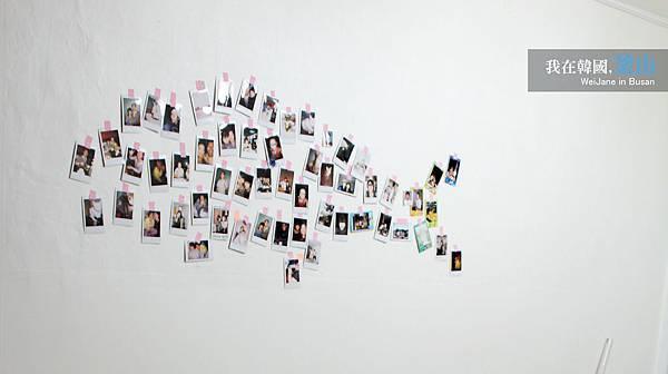 牆上的照片