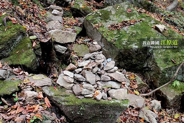 堆石頭石頭堆