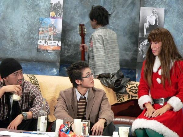 與閃亮穿著聖誕老人衣的Angel對話