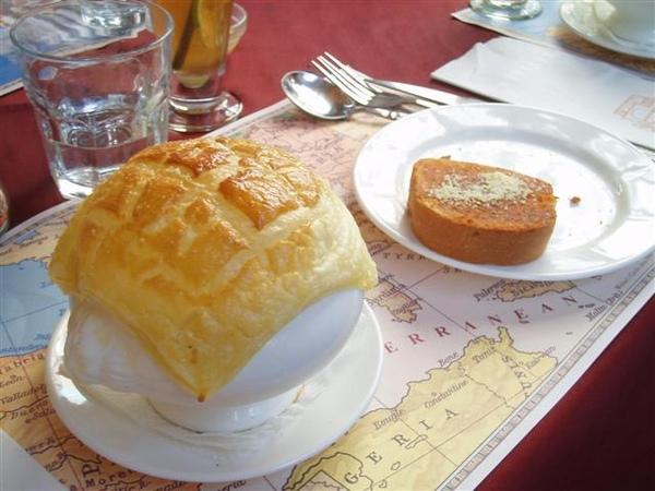 2rd道菜 濃湯+麵包