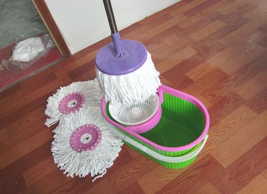 magic_mop_with_bucketmagic_mopbucket_mop.jpg