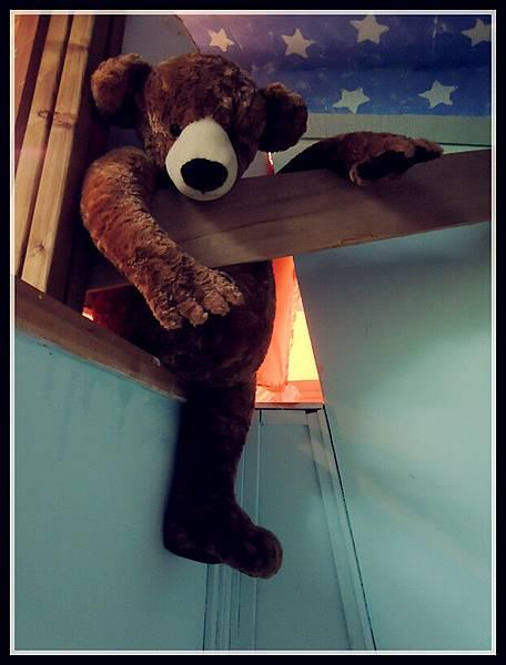 teddyinthehouse.jpg