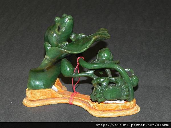 C1703_台灣豐田玉_荷塘蛙蟹