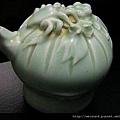 C0379_蟹果雕影青陶瓷水滴