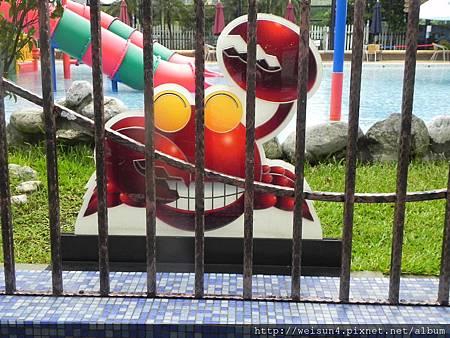 自來水園區_游泳池_螃蟹