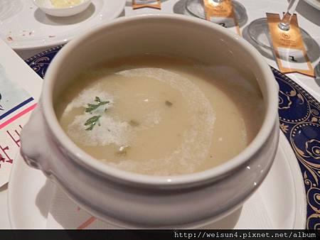 米其林_橘園餐廳_DSCN9291_洋芋鄉村濃湯