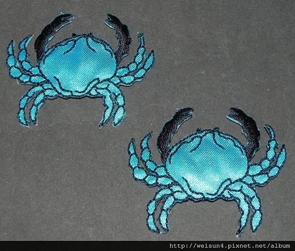 衣_C1357_燙貼布_螃蟹.JPG