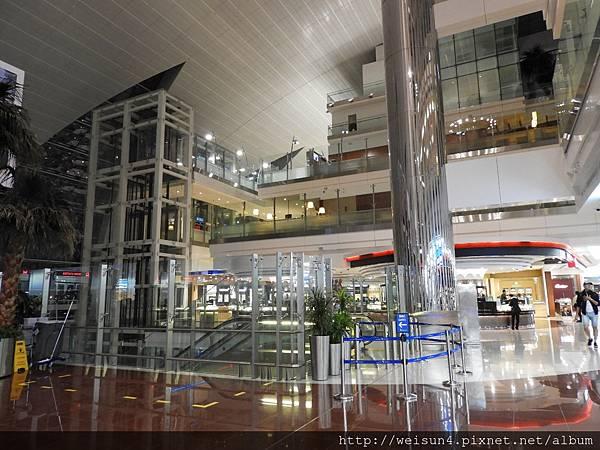 DSCN0257_杜拜機場.JPG