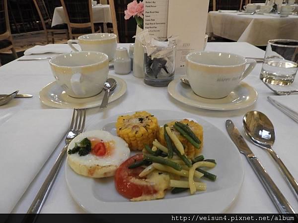 DSCN0445_Grandhotel Pupp_早餐.JPG