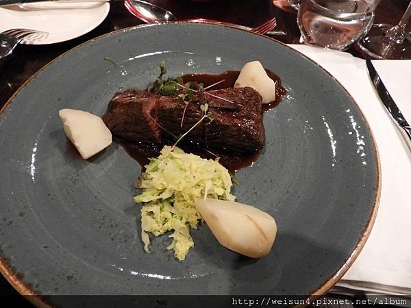 DSCN1502_Mlýnec Restaurant_主餐_牛排.JPG