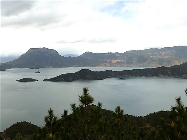 DSCF7505 瀘沽湖全景連拍1.JPG