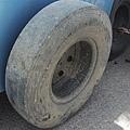 DSCF3358 要換的輪胎.JPG