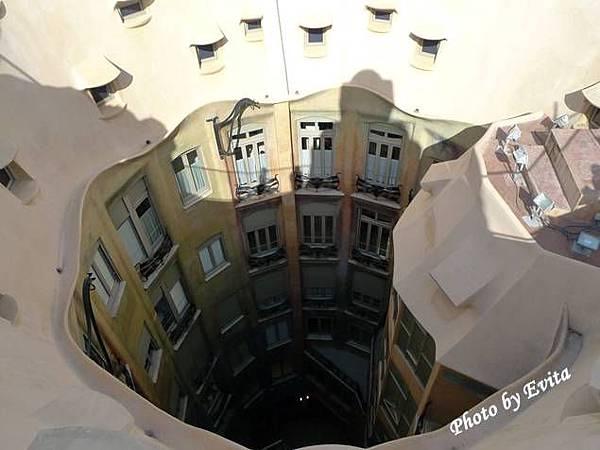 西班牙米拉之家16.jpg