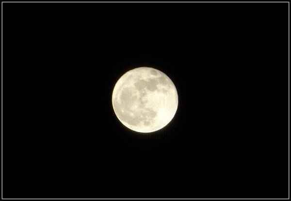 國外的月亮比較圓