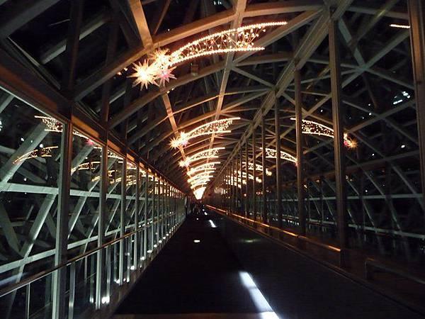 京都車站空中步道.JPG