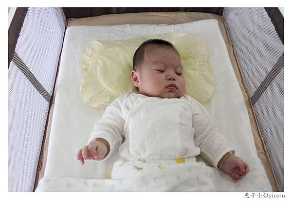 黃枕頭 (1).jpg