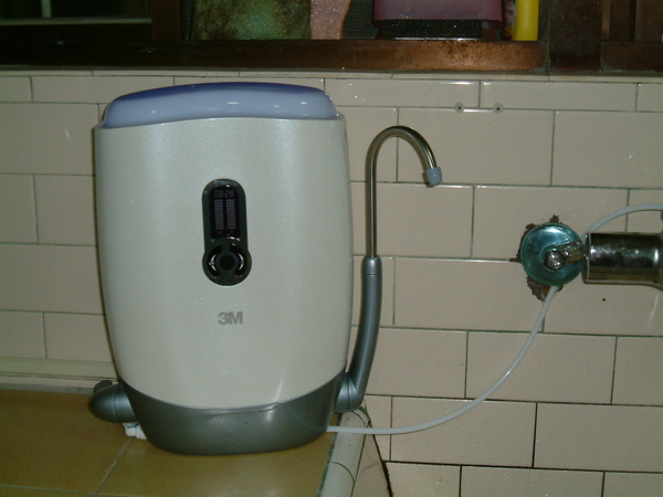 待機狀態~3M UVA1000紫外線殺菌淨水器