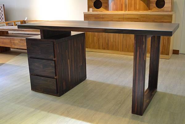 紫檀書桌7.JPG