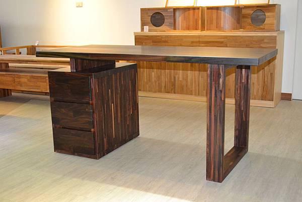 紫檀書桌11.JPG