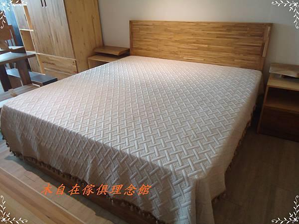 柚木斜背床1.JPG