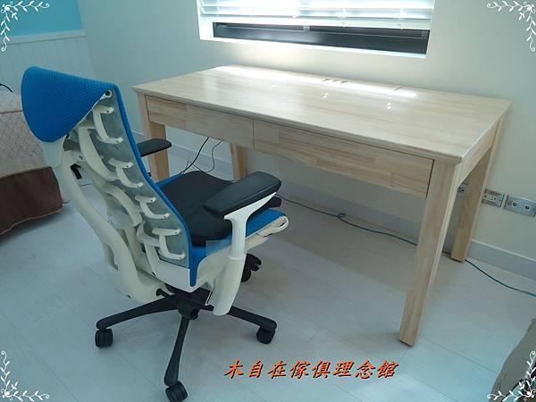紐松斜腳書桌1.JPG