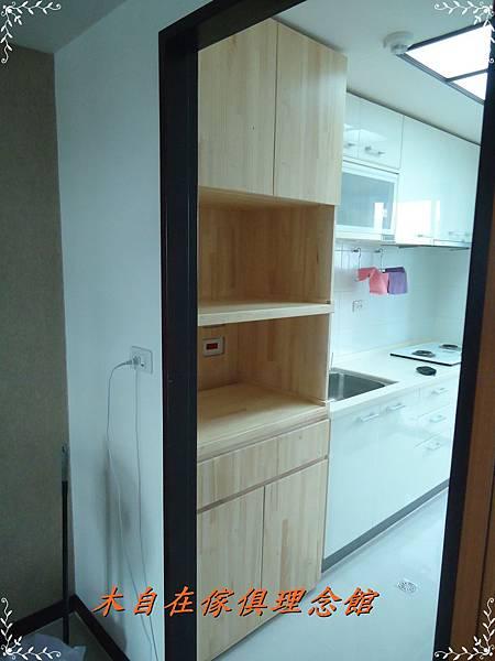紐松木電器櫃1.JPG